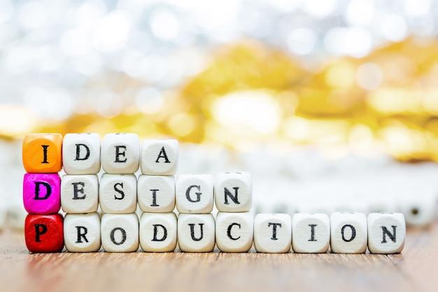 Houten dobbelstenen met words idea design en production