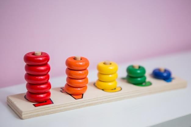 Houten educatief speelgoed voor kinderen.