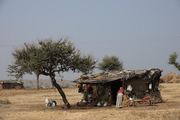 Houten huis van arme mensen