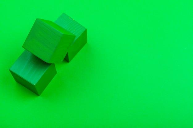 Houten kubusbouwstenen