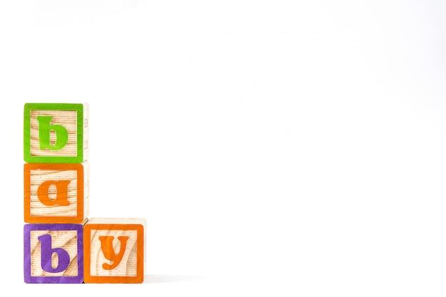 Houten kubussen met letters met