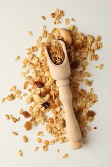 Houten lepel met granola en noten