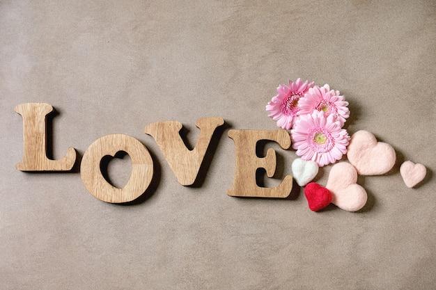 Houten letters liefde