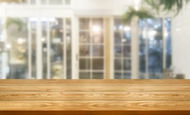 Houten lijst op onduidelijk beeldachtergrond van modern restaurant