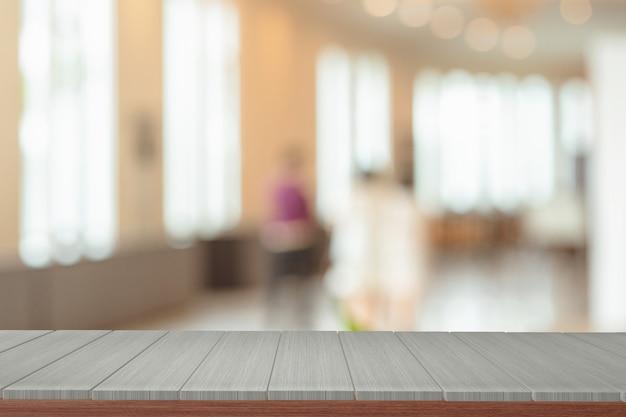 Houten planken met weergave wazig achtergrond. u kunt gebruiken voor weergaveproducten.