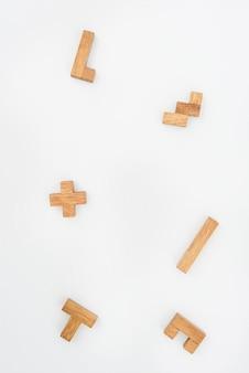 Houten puzzelstukjes als achtergrond