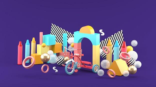 Houten speelgoed, krijt en fietsen tussen kleurrijke ballen op een paarse ruimte. -3d render.