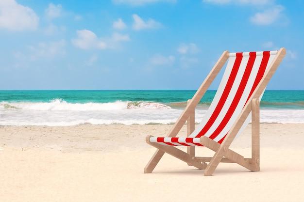 Houten strandstoel op de oceaan of zee sand beach extreme close-up. 3d-rendering