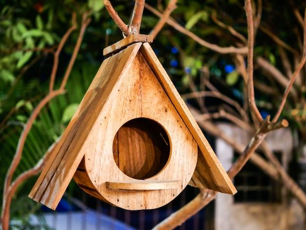 Houten vogelhuis