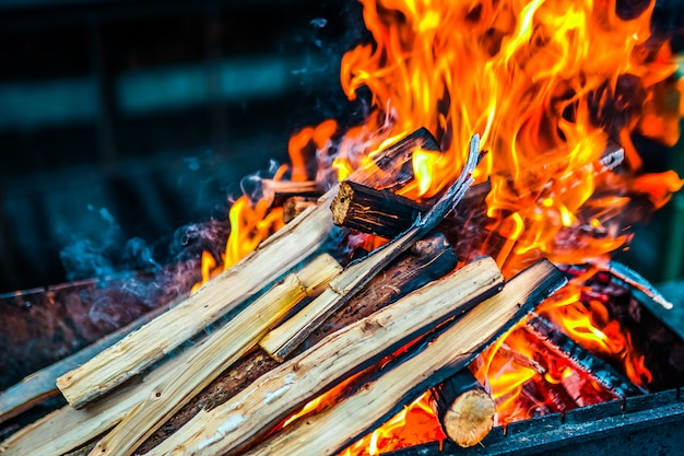 Houtgestookt in de grill