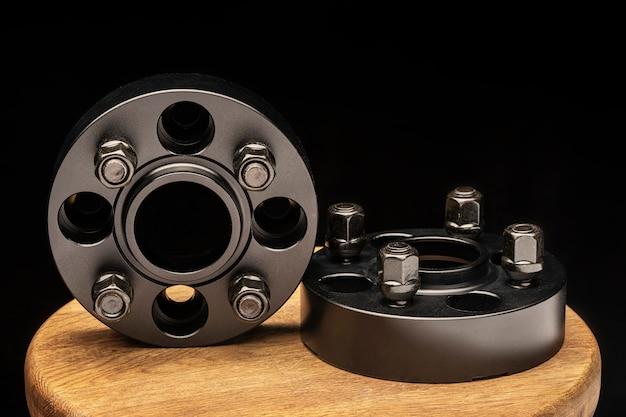 Hub afstandhouders. auto tuning en reserveonderdelen voor auto's en drift van sportwagens. het wiel komt uit de wielkast