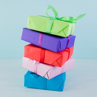 Huidige dozen in verschillende kleuren