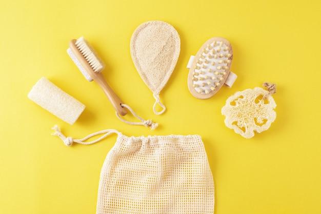Huidverzorgingsproducten voor natuurlijke hygiëne, houten borstel, stimulator. duurzame levensstijl. spa