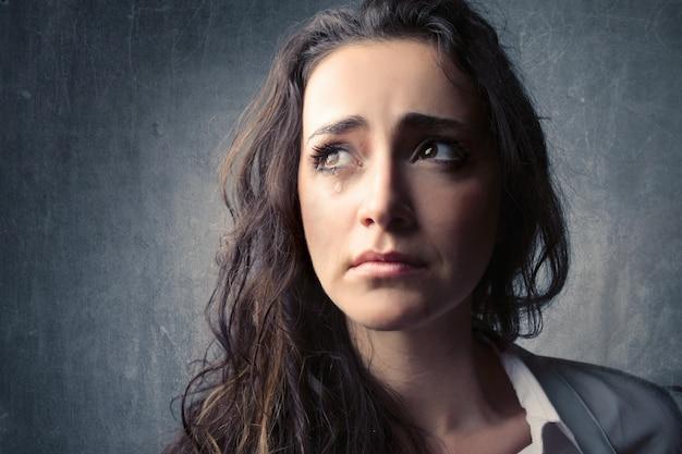 Huilende trieste vrouw