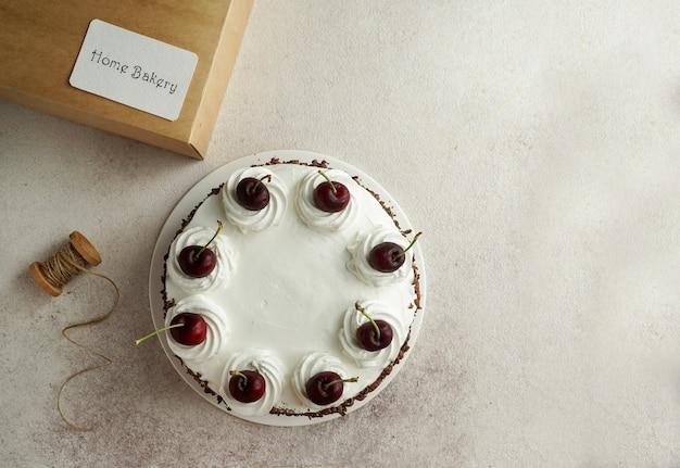 Huis bakkerij concept, cake zwarte woud en kaart