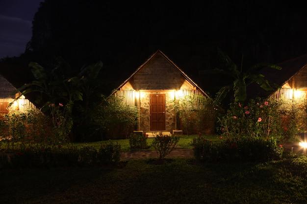 Huis in het donker