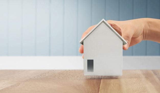 Huis residentiële structuur in de hand