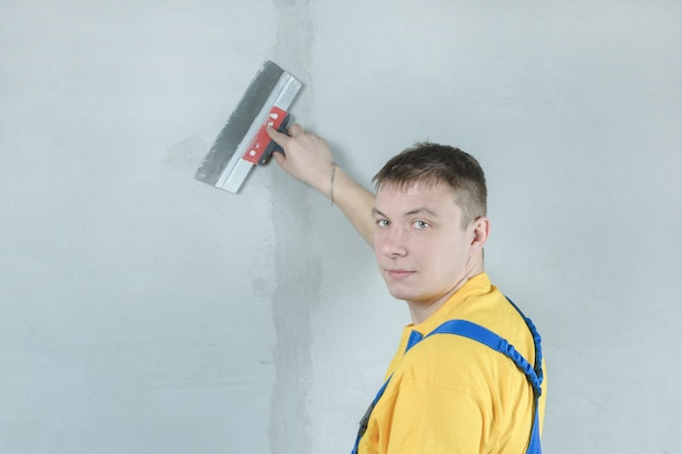 Huisschilder pleistert muren