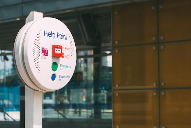 Hulp punt service op een treinstation