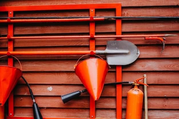 Hulpmiddelen voor eerste hulp bij brand