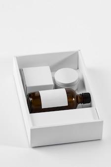 Hulpmiddelen voor het verzorgen van baard en olie hoog zicht