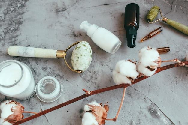 Hulpmiddelen voor schoonheidsbehandeling en katoenen bloemen