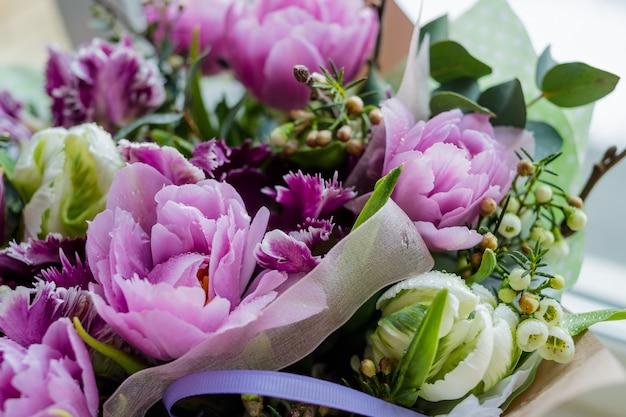 Huwelijksboeket van bloemen
