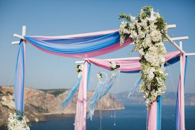 Huwelijksboog op de berg