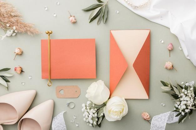 Huwelijksdecoratie en bruidsschoenen
