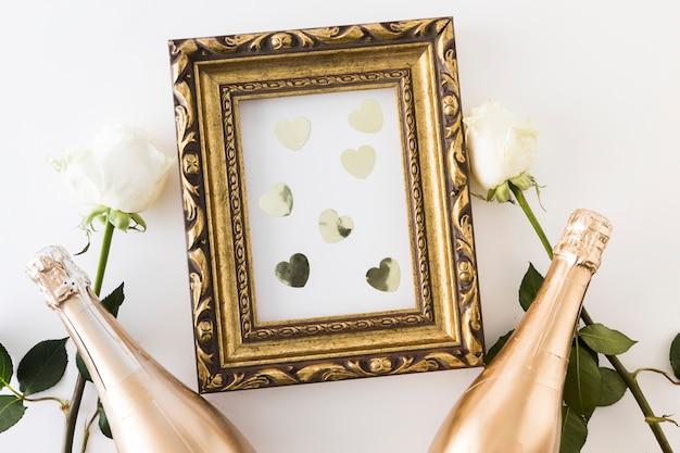Huwelijksornamenten met champagnefles