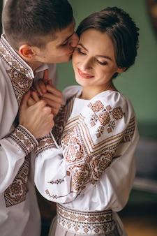 Huwelijkspaar op hun verlovingdag