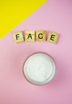 Hydraterende cosmetische crème in glas