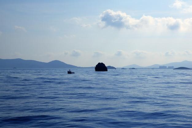 Ibiza-eilanden zeegezichten in spanje. middellandse zee