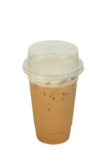 Iced latte-koffie geïsoleerd op wit.