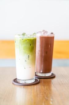 Iced matcha groene thee met melk en iced chocolate