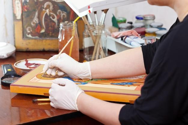 Iconograaf schilderij van christelijk pictogram