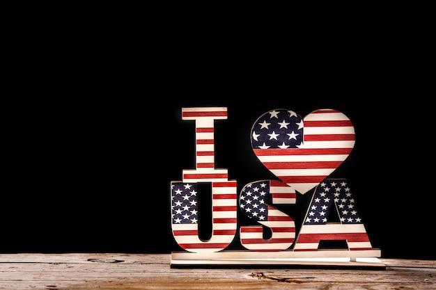 Ik hou van de vs en sterren ornament. verenigde staten decoratie voor feest op houten en zwart