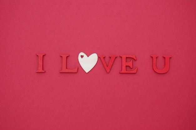 Ik hou van je belettering. valentijnsdag rode plat lag, wenskaart.