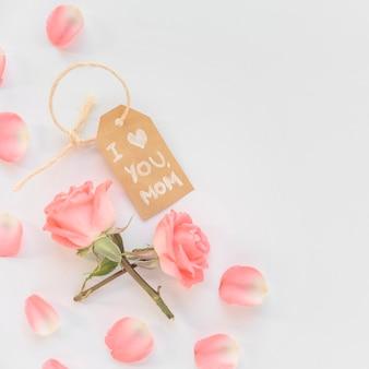 Ik hou van je moeder inscriptie met rozen