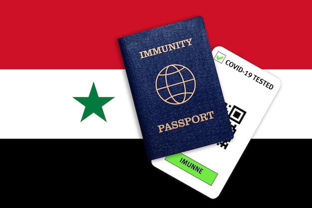 Immuniteitspaspoort voor reizen na pandemie en testresultaat voor covid op vlag van syrië