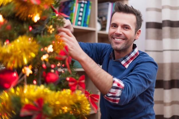 In dit jaar is het mijn beurt om de kerstboom te versieren