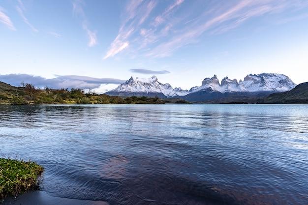 In het nationale park torres del paine, patagonië, chili, lago del pehoe.
