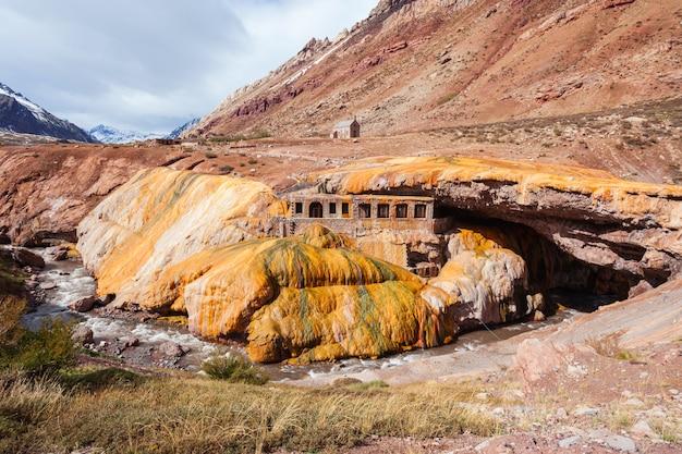 Inca's bridge in de buurt van mendoza