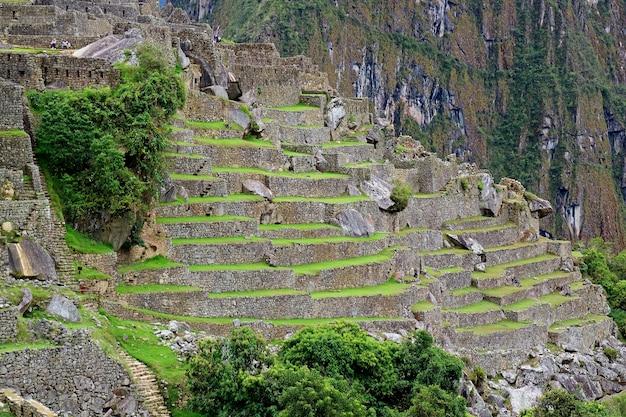 Inca-structuren binnen de citadel van machu picchu, cuzco-gebied, peru