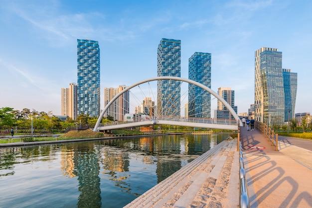 Incheon, central park in songdo international business district, zuid-korea.