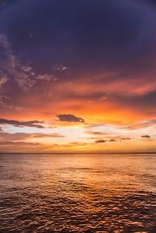Incredile zonsondergang op zee