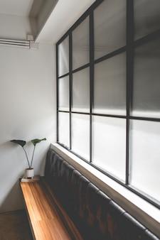 Indeling in een loft-stijl in donkere kleuren open ruimte binnenaanzicht van verschillende koffie