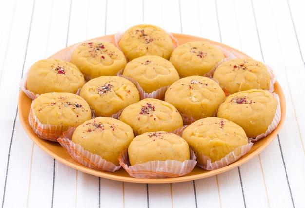 Indiaas meest populaire zoet voedsel ras van peda