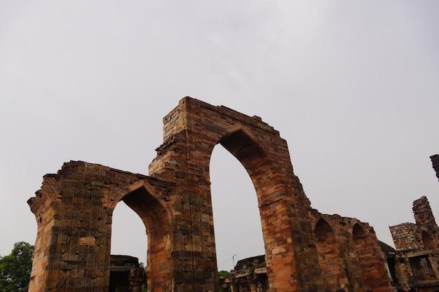 Indiase historische oude deurstructuur afbeelding buiten