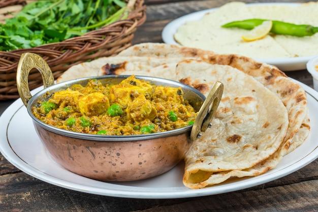 Indiase keuken mattar paneer